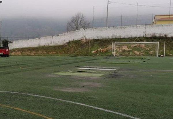 relvado_complexo_desportivo_cachao